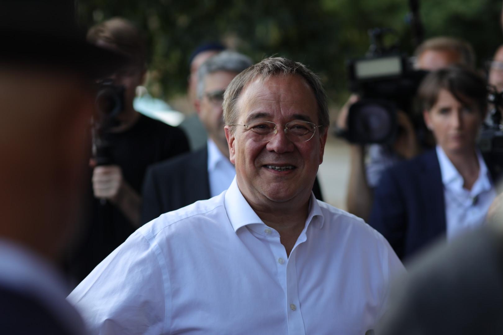 Unions-Kanzlerkandidat Armin Laschet am 12. August 2021 in Torgau am Elbufer