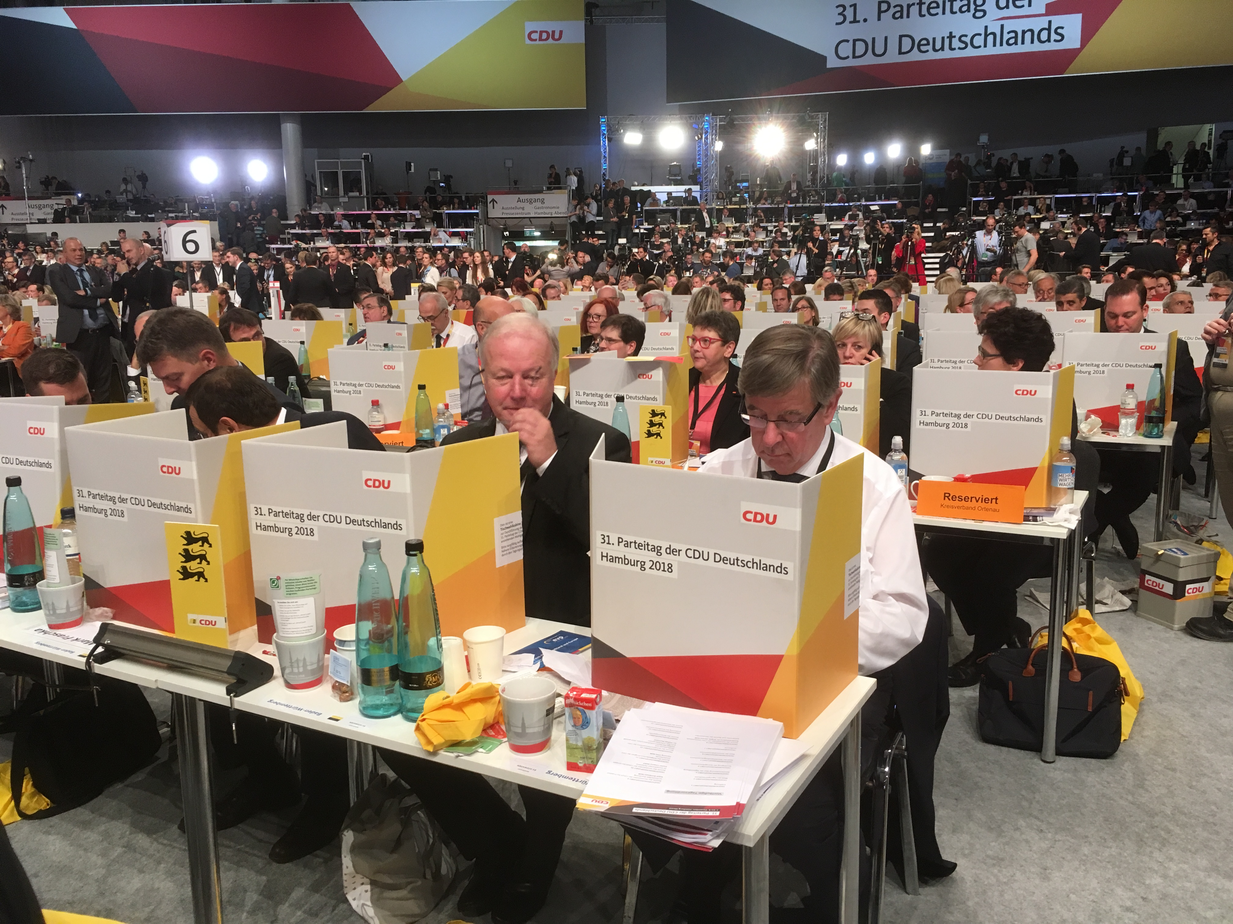 Wahlkabine mit Peter Weiß