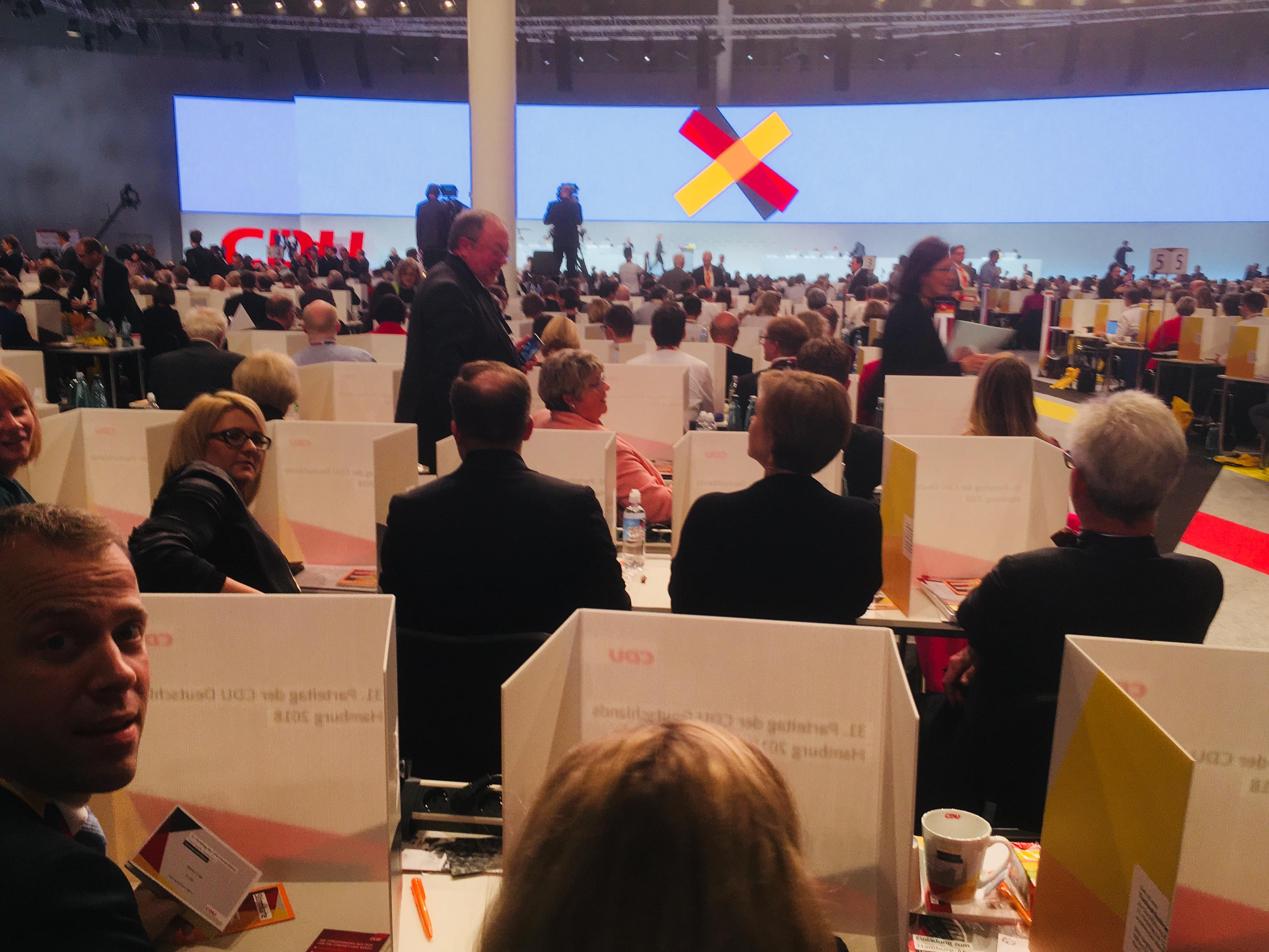 Erster Wahlgang für das Amt des Parteivorsitzes auf dem CDU-Bundesparteitag 2018 in Hamburg.