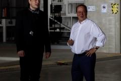 Armin Laschet, Elon Musk treffen sich auf der Baustelle der Tesla-Europazentrale in Grünheide bei Berlin. 12. August 2021. Alle Rechte:  Duesipics.